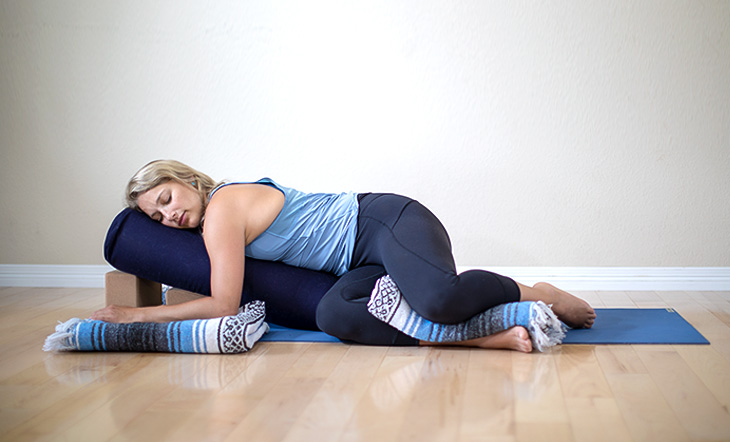 WARM RESTORATIVE YOGA